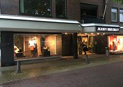 <p>Langstraat 7-9<br />3771 BA Barneveld <br />Tel: 0342 413198</p>